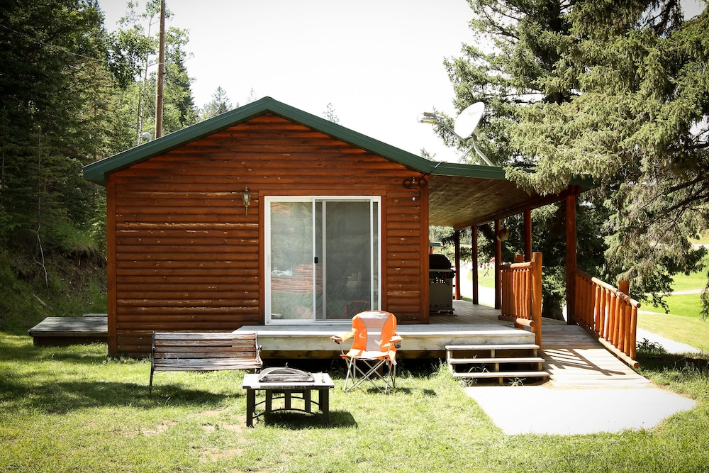 Room, Cole Cabins