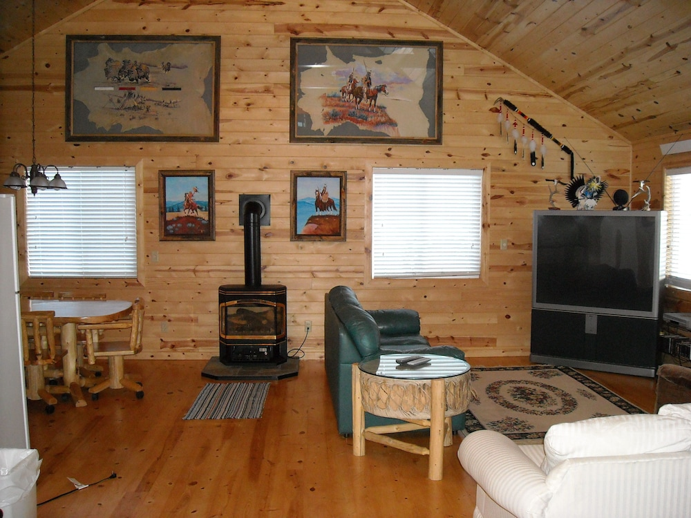 Living Area, Cole Cabins