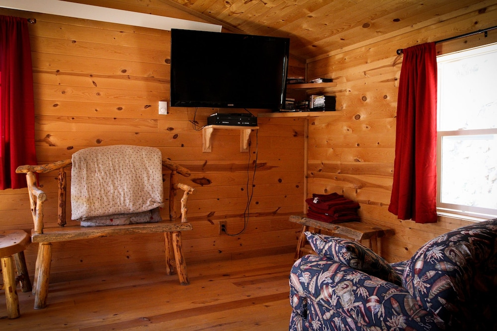 Room Amenity, Cole Cabins