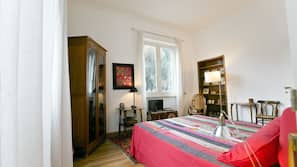 Premium bedding, minibar, desk, soundproofing