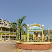 SandCastles Deluxe Beach Resort
