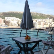 Marsalforn Seafront Apartment- 5 Star Holiday House