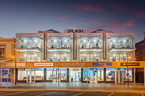 Semaphore Splash Apartments