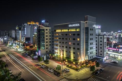 香閣里亞海灘觀光飯店