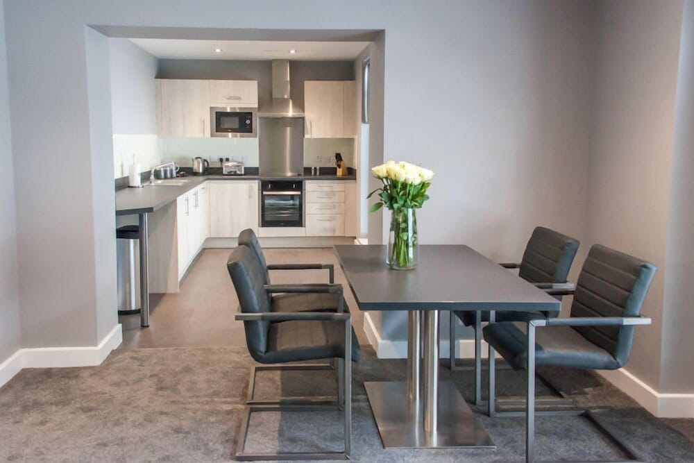 In-Room Dining, Dream Apartments Quayside
