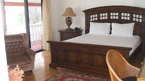1 bedroom, desk, iron/ironing board, rollaway beds