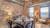 Commerce Street Apartment by Stay Alfred - Nashville Hotels