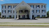 Oak Tree Inn & Suites - Claxton Hotels