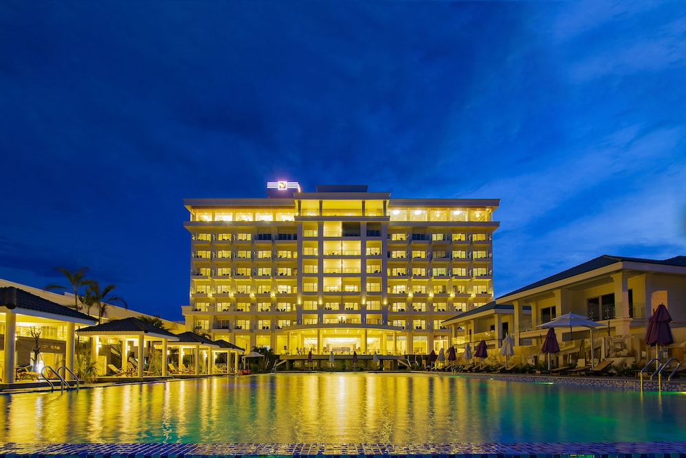 Gold Coast Hotel Resort Spa In Dong Hoi Hotel Rates Reviews On Orbitz