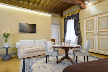 N 15 Santori Luxury Home Reviews Photos Rates Ebookers Com
