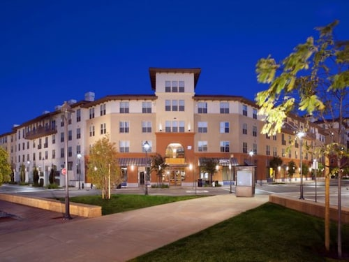 Global Luxury Suites in Walnut Creek