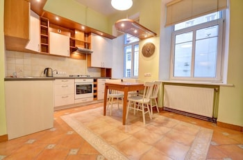 Great Apartment near Town Hall