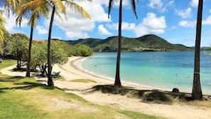Plage, sable blanc, snorkeling, kayak