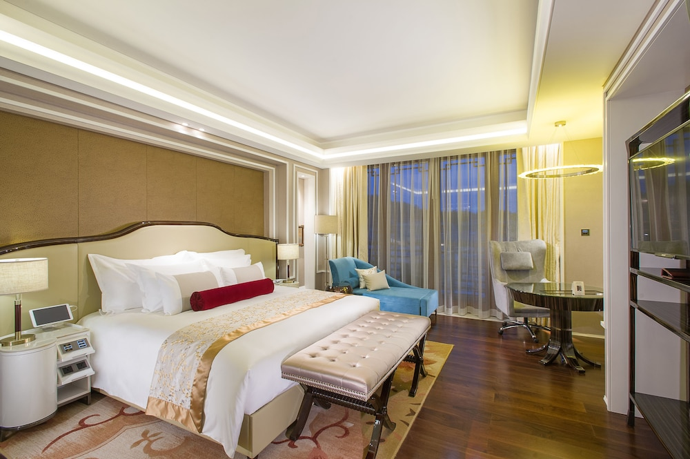 Room, Grand Bay Hotel Beijing