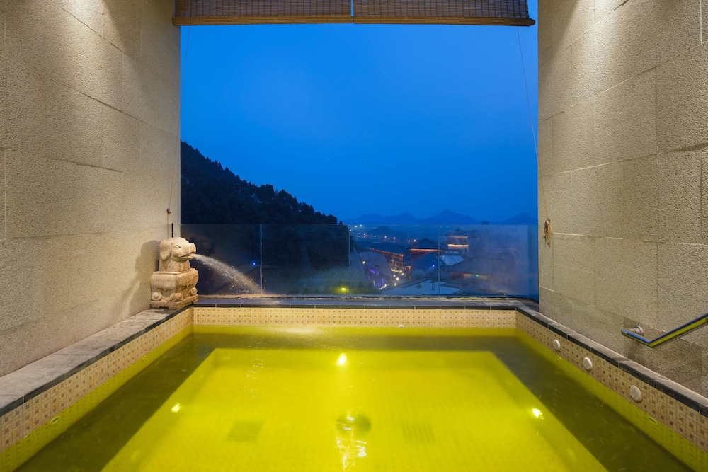 Hot springs, Grand Bay Hotel Beijing
