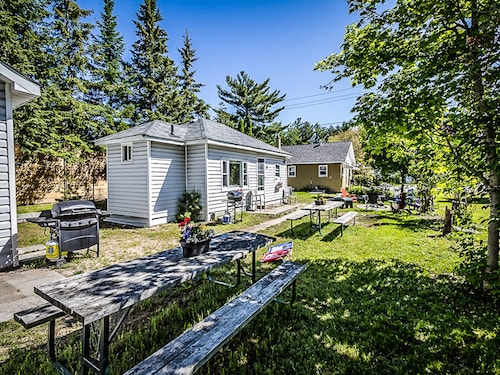 Groovy Best Collingwood Cottages For 2019 Find Cheap C 99 Cottage Interior Design Ideas Apansoteloinfo