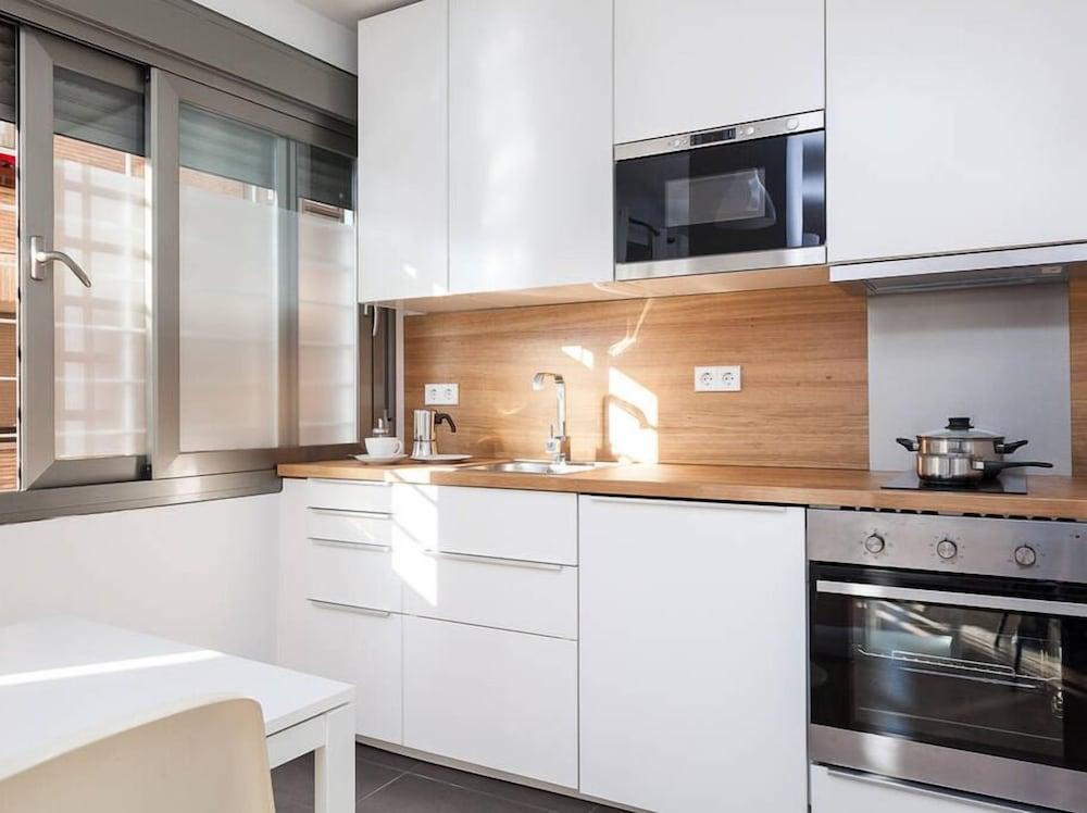 Apartamentos click almeria esp for Decorador de interiores