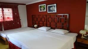 Minibar, in-room safe, iron/ironing board, linens
