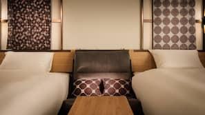 เครื่องนอนระดับพรีเมียม, ตู้นิรภัยในห้องพัก, โต๊ะทำงาน, ผ้าม่านกันแสง