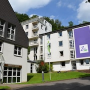 ZWO by hotel friends