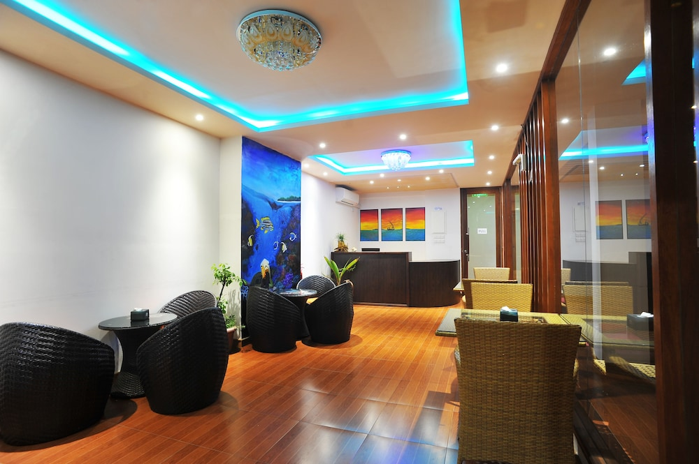 Reception Hall, Turquoise Residence by UI