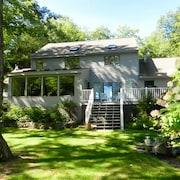 Lake Winnipesaukee - Waterfront - 524 - 5 Br home by RedAwning