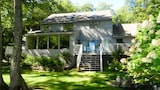 Lake Winnipesaukee - Waterfront - 524 - 5 Br home by RedAwning - Moultonborough Hotels
