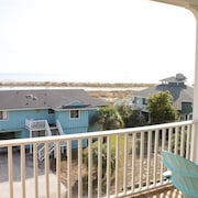 Sundance on Fripp Island - 4 Br home by RedAwning