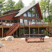 Lake Winnipesaukee - Waterfront - 533 - 4 Br home by RedAwning