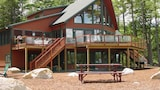 Lake Winnipesaukee - Waterfront - 533 - 4 Br home by RedAwning - Moultonborough Hotels