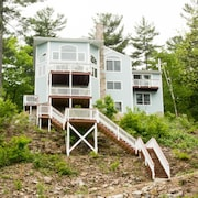 Lake Winnipesaukee - Waterfront - 446 - 5 Br apts by RedAwning