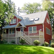 Lake Winnipesaukee - Beach Access - 115 - 3 Br home by RedAwning