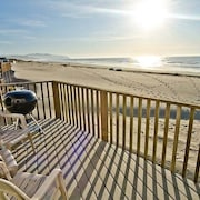 Ocean Waves 1 - 4 Br home by RedAwning