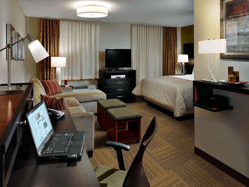 Room, Staybridge Suites Pittsburgh-Cranberry Township