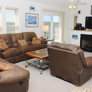 Sand Dollar - 4 Br home by RedAwning