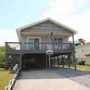 Sea Dawg - 3 Br home by RedAwning