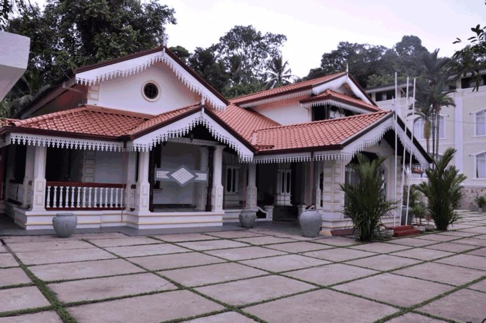 Centauria Hill Resort Hotel Ratnapura