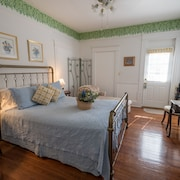 Southern Wind Inn Bed & Breakfast