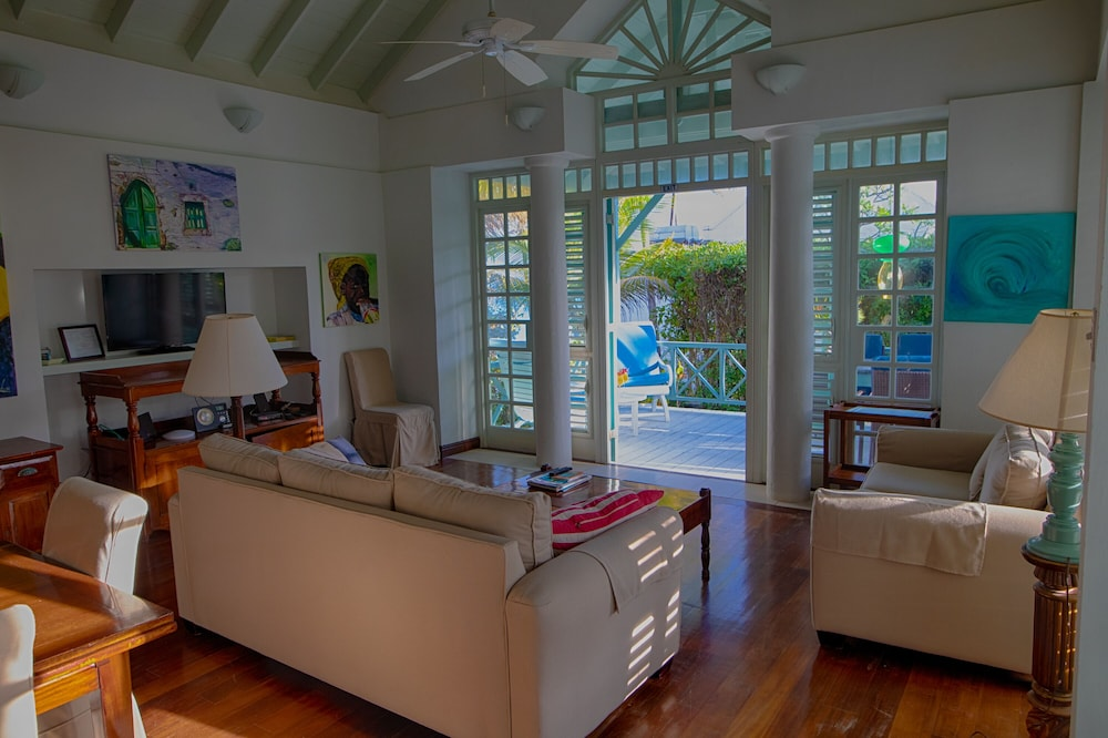 Living Area, Inchcape Seaside Villas