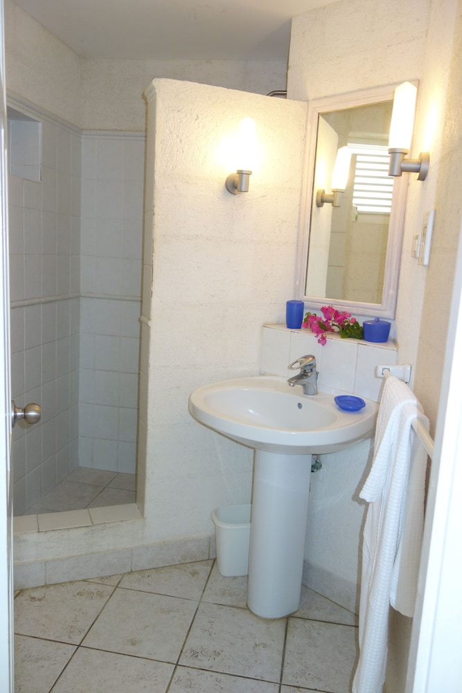 Bathroom, Inchcape Seaside Villas