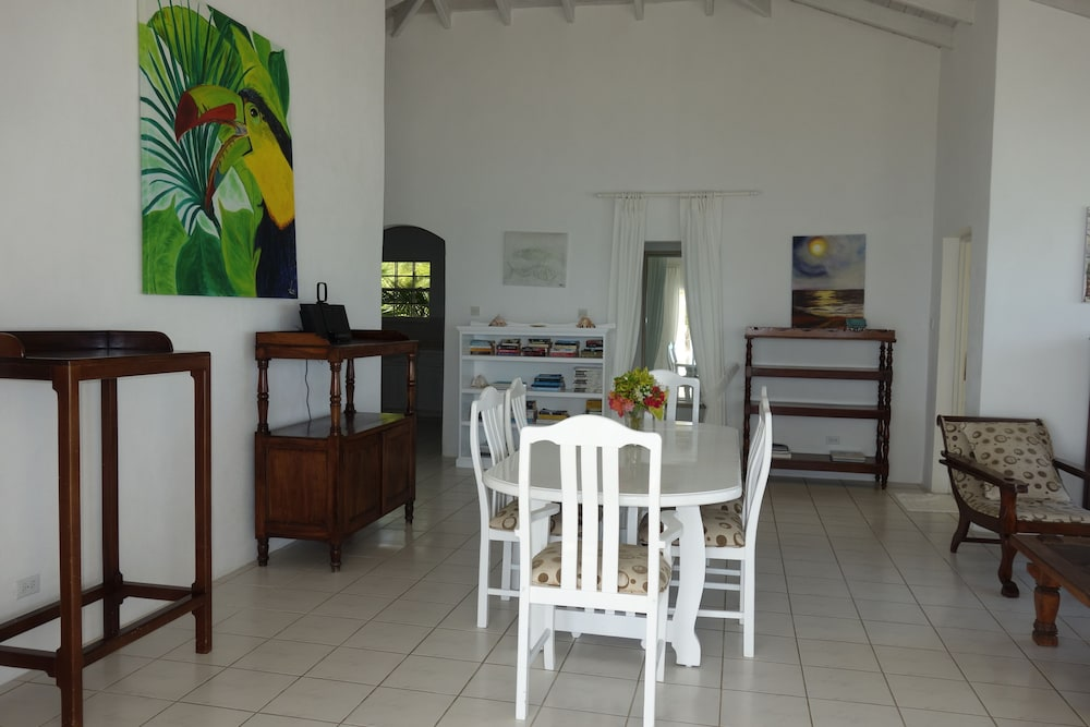 In-Room Dining, Inchcape Seaside Villas