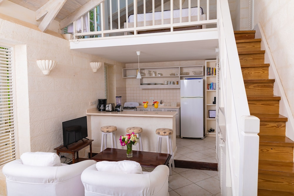Private Kitchen, Inchcape Seaside Villas