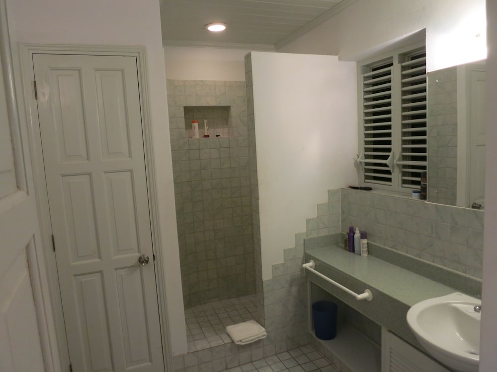 Bathroom Shower, Inchcape Seaside Villas