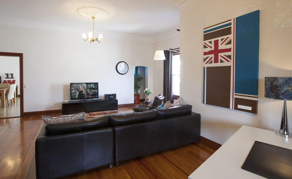 Boutique stays parliament place melbourne australia for 4 camere da letto casa 2 bagni