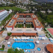 Tiana Beach Resort - All Inclusive