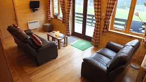 4 bedrooms, iron/ironing board, WiFi, wheelchair access