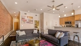 Chic 1BR in C.B.D. by Sonder - New Orleans Hotels