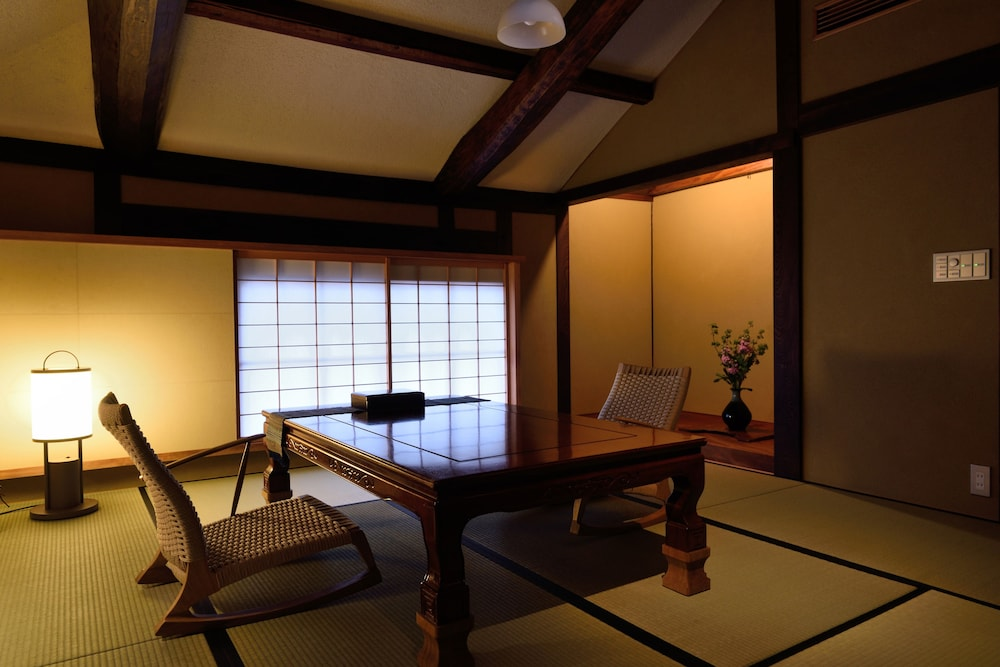 In-Room Dining, RYOKAN KURASHIKI