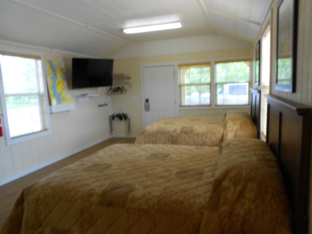 Toledo Bend RV Resort and Cabins (Natchitoches, United ...