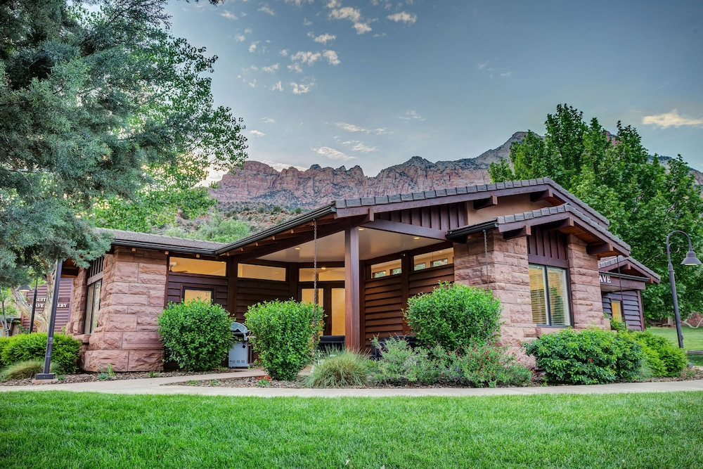 Featured Image, LaFave: Luxury Rentals at Zion